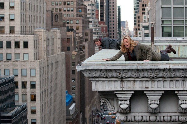 Jamie Bell and Elizabeth Banks in Man on a Ledge (Photo: Summit)