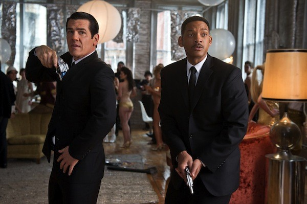 Josh Brolin and Will Smith in Men in Black 3 (Photo: Sony)