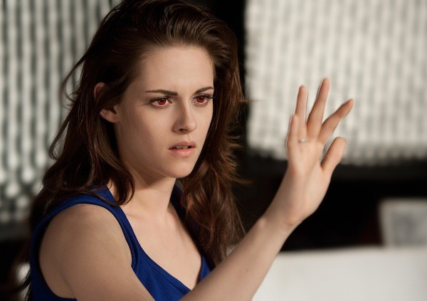 Kristen Stewart sees red. - SUMMIT ENTERTAINMENT