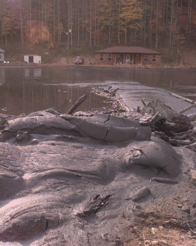A Kentucky sludge spill in 2000