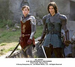 MURRAY CLOSE / DISNEY ENTERPRISES & WALDEN MEDIA - NEW KIDS ON THE CHOPPING BLOCK: Peter Pevensie (William Moseley) and Prince Caspian (Ben Barnes) prepare to defend themselves against an invading army in The Chronicles of Narnia: Prince Caspian.
