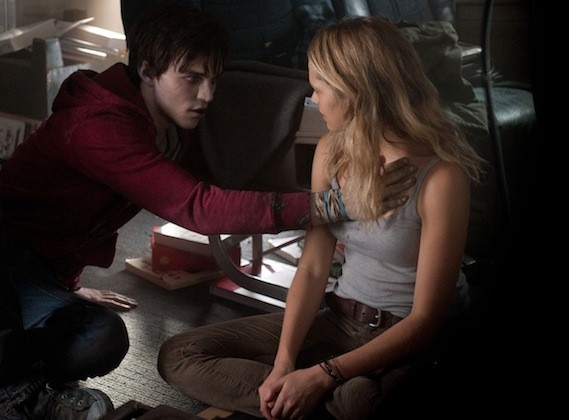 Nicholas Hoult and Teresa Palmer in Warm Bodies (Photo: Summit)