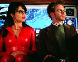 DIYAH PERA / WARNER BROS - NOT YOUR BABY BOOMER'S VELMA Linda - Cardellini (with Seth Green) becomes the Scooby - franchise's equivalent of a Bond babe in - Scooby-Doo 2: Monsters Unleashed