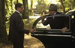 ANDREW SCHWARTZ / UNIVERSAL - OPENING DOORS General Bill Sullivan (Robert De Niro, right) offers Edward Wilson (Matt Damon) a great career opportunity in The Good Shepherd