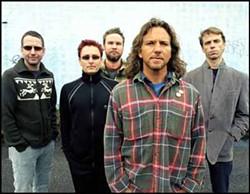 DANNY CLINCH - Pearl Jam