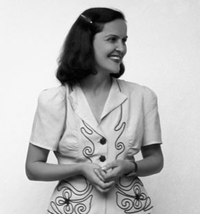 PORTRAIT OF THE ARTIST AS A YOUNG WOMAN: Débora Arango
