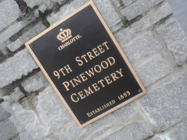 Pinewood_sign.jpg