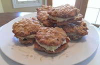 Recipe: Oatmeal Creme Pies with Green Tea Creme