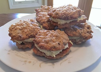 Recipe: Oatmeal Creme Pies with Green Tea Creme