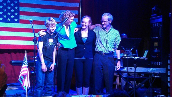Roberts joins her family on stage