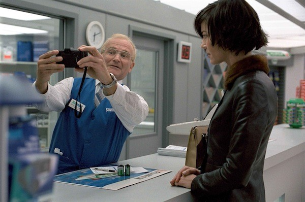 Robin Williams and Connie Nielsen in One Hour Photo (Photo: Fox)