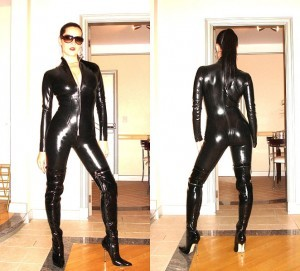 662px-black_latex_catsuit_777-300x271.jpg
