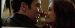 UNIVERSAL - SLEEPING WITH THE ENEMY?: Claire (Julia Roberts) and Ray (Clive Owen) wonder if they can trust each other in Duplicity.