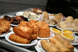 CATALINA KULCZAR - THE CHOICE IS YOURS: Dim sum trolley at Dragon Court Chinese Restaurant
