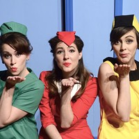 Theater review: Boeing Boeing