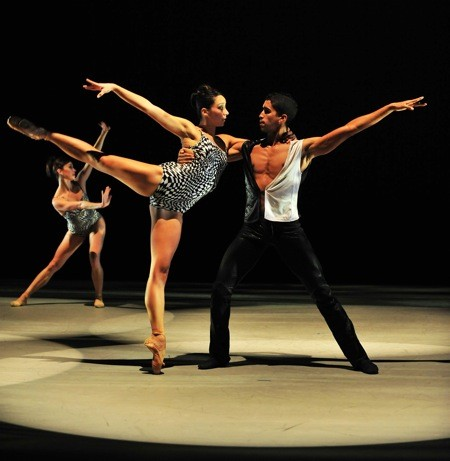 NC_Dance_Theatre_-_Alleged_Dances-_Melissa_Anduiza___Addul_Manzano_-_photo_-_Peter_Zay.jpg