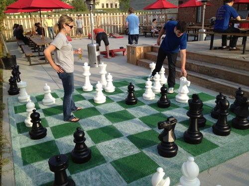 VBGB-giant-chess.jpg