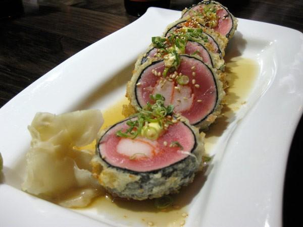 TUNA CRUNCHY ROLL - Lightly Panko Tuna with Crab in Ponzu Chili Sauce