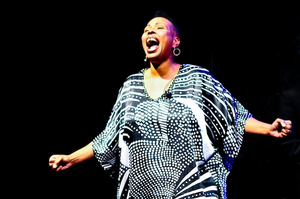 """Kenya Templeton belts out a house version of """"My Favorite Things"""" during the 2016 """"A Soulful Noel."""" (Gena J. Photography)"""