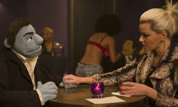 Phil Philips and Elizabeth Banks in The Happytime Murders (Photo: STX)
