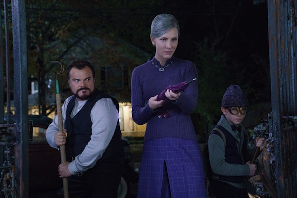 Jack Black, Cate Blanchett and Owen Vaccaro in The House with a Clock in Its Walls (Photo: Universal)