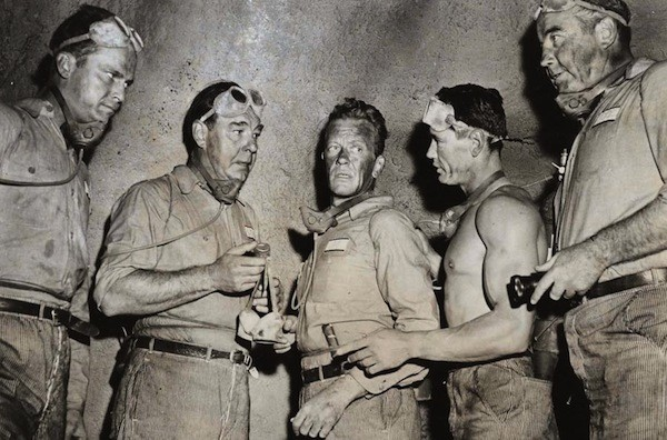 Ralph Meeker, Lon Chaney Jr., William Talman, Charles Bronson and Broderick Crawford in Big House, U.S.A. (Photo: Kino)