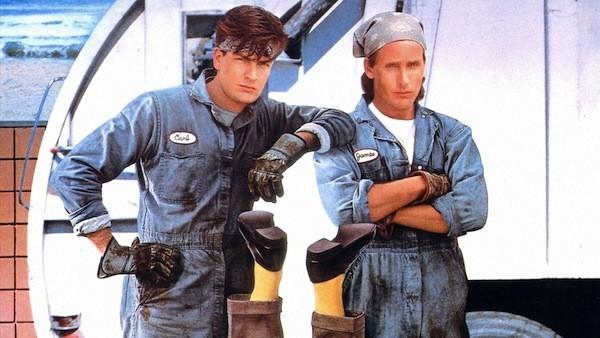 Charlie Sheen and Emilio Estevez in Men at Work (Photo: Shout! Factory)