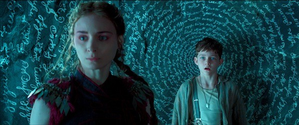 Rooney Mara and Levi Miller in Pan (Photo: Warner)