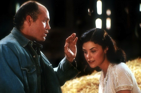 John Malkovich and Sherilyn Fenn in Of Mice and Men (Photo: Olive Films & MGM)