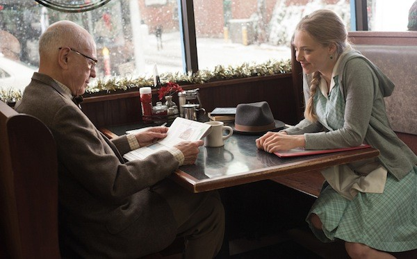 Alan Arkin and Amanda Seyfried in Love the Coopers (Photo: Lionsgate)