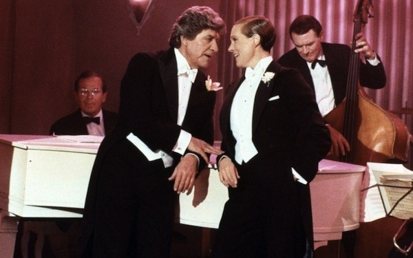Robert Preston and Julie Andrews in Victor/Victoria (Photo: Warner Bros.)