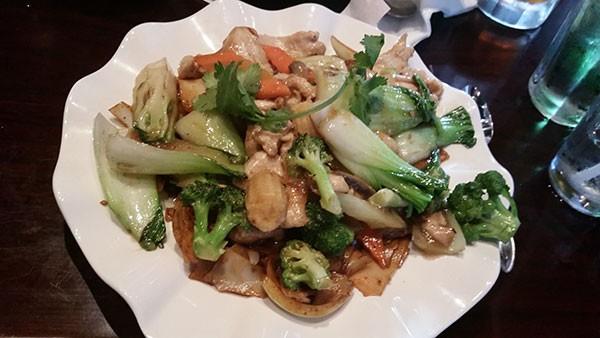 Chow Fun dish at iPho. (Photo by Anita Overcash)