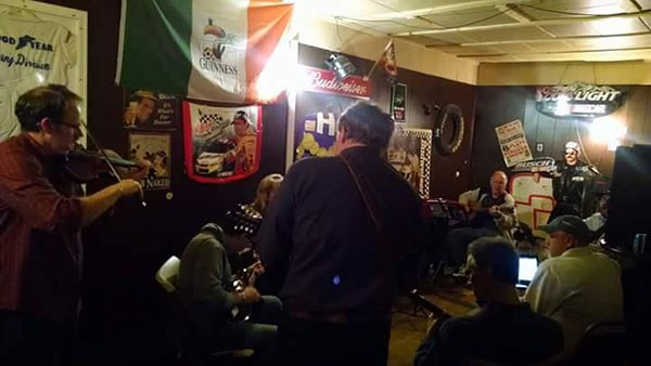 """""""Every Sunday Bluegrass Jam"""" sessions at Tommy's were snug, to say the least."""