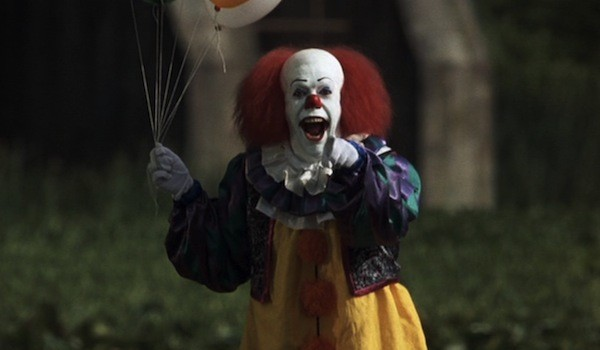 Tim Curry in Stephen King's It (Photo: Warner)