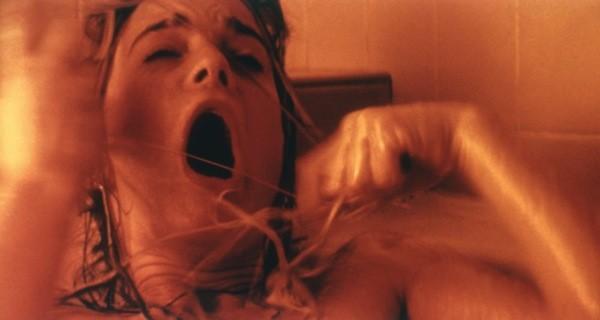 Gabrielle Anwar in Body Snatchers (Photo: Warner)