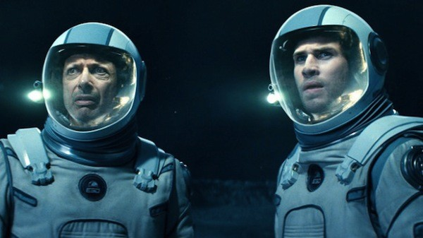 Jeff Goldblum and Liam Hemsworth in Independence Day: Resurgence (Photo: Fox)