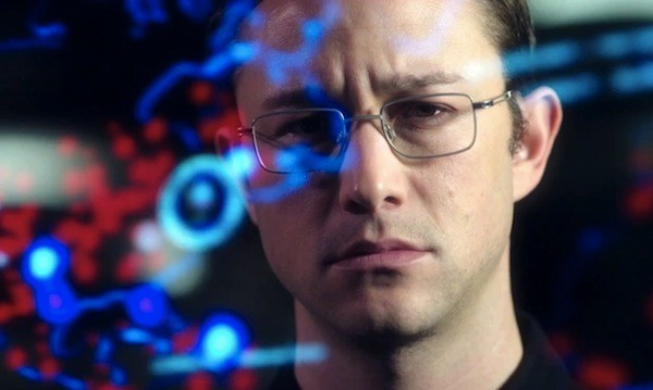 Joseph Gordon-Levitt in Snowden (Photo: Universal & Open Road)