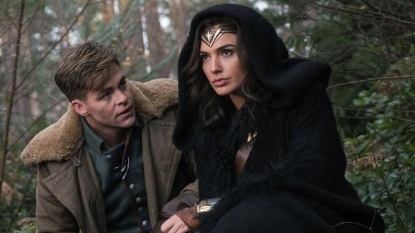 Chris Pine and Gal Gadot in Wonder Woman (Photo: Warner)