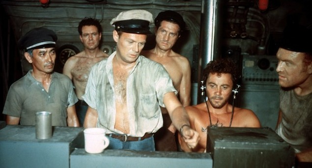 Richard Widmark (center) in Hell and High Water (Photo: Twilight Time)