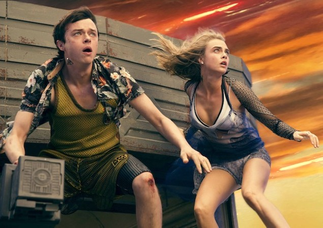Dane DeHaan and Cara Delevingne in Valerian and the City of a Thousand Planets (Photo: STX & EuropaCorp)
