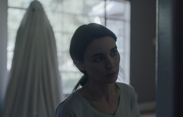 Casey Affleck and Rooney Mara in A Ghost Story (Photo: A24 & Lionsgate)