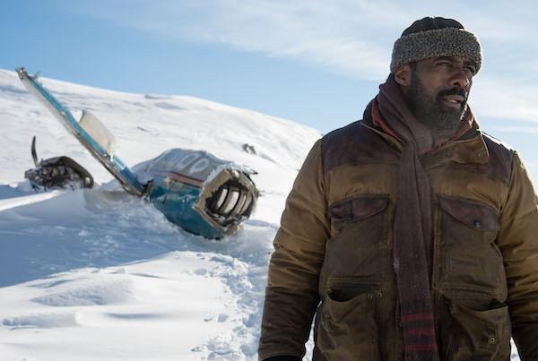 Idris Elba in The Mountain Between Us (Photo: Fox)