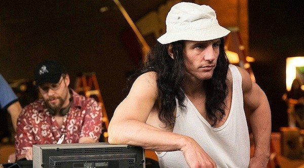 Seth Rogen (background) and James Franco in The Disaster Artist (Photo: Lionsgate & A24)