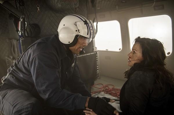 Dwayne Johnson and Carla Gugino in San Andreas (Photo: Warner Bros.)