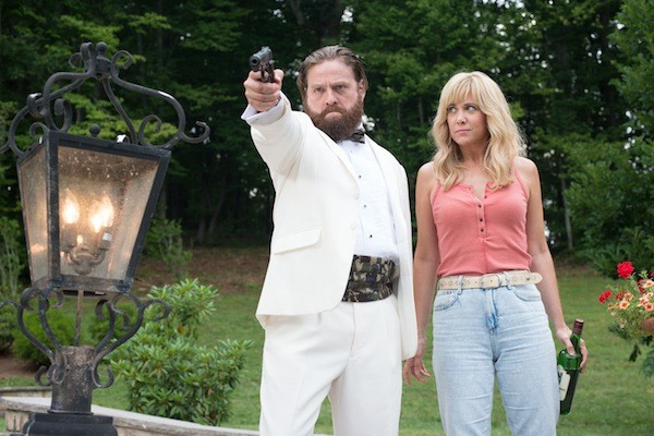 Zach Galifianakis and Kristen Wiig in Masterminds (Photo: Relativity)
