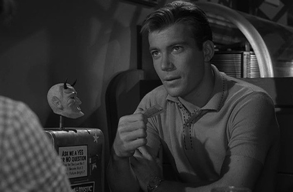 """William Shatner in the """"Nick of Time"""" episode of The Twilight Zone (Photo: Paramount & CBS)"""