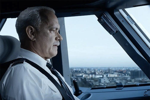 Tom Hanks in Sully (Photo: Warner)