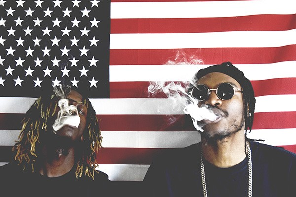 Smokin' in the U.S.A.: Tizzy (left) and Kizzy of Th3 Higher. Photo by Noel Buffong.