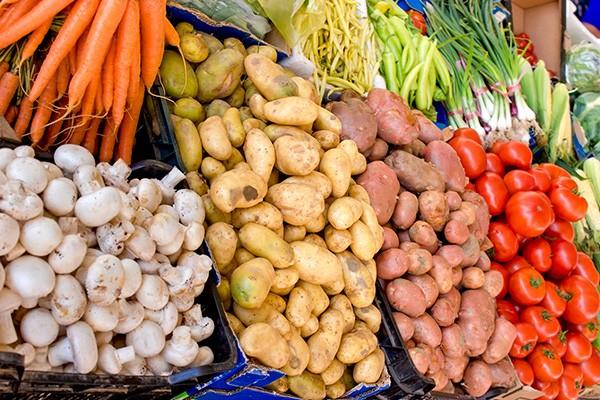 organic-market---organic-vegetables-on-farmer-market-520006976_2125x1416.jpg