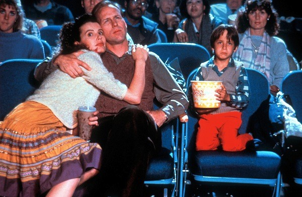 Geena Davis, William Hurt and Robert Gorman in The Accidental Tourist (Photo: Warner)